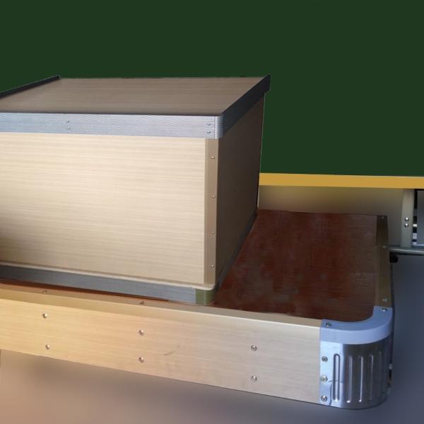 四角连接为工业abs塑料一次成型;    教室木质地台:      1,尺寸:4*1*